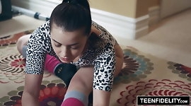 TEENFIDELITY - Hot Teen Kylie Quinn Gets Her Pussy Massaged
