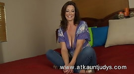 Mature and sexy babe from Auntjudys