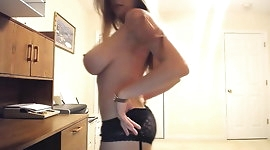Sexy Busty Girl Tessa Fowler webcam show