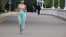 Cameltoe while jogging. Wearing tight leggings