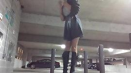I feel exposed masturbating in the parking lot
